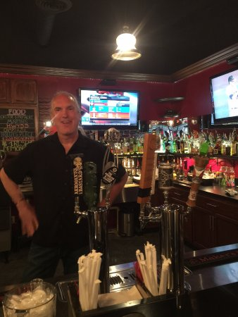 Nolensville, TN: Patric is an awesome bartender!