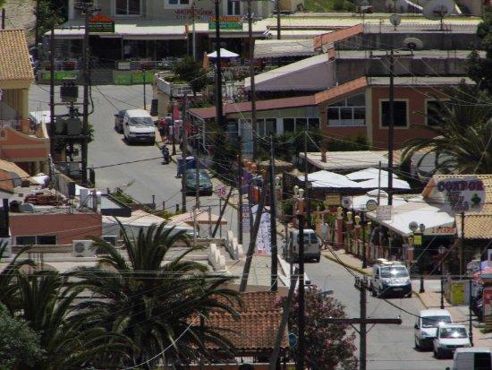 Kapetanios Apartments: View of village from Kapetanios