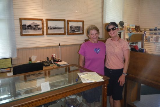 DeWitt Museum: The Docent was very sweet and interesting