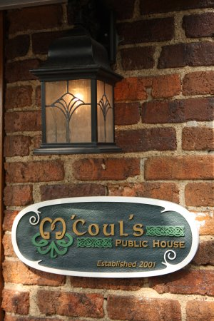 M'coul's Public House: Come on in!