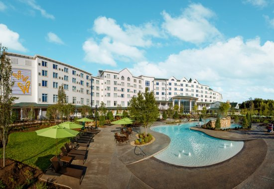 Dollywood's DreamMore Resort and Spa