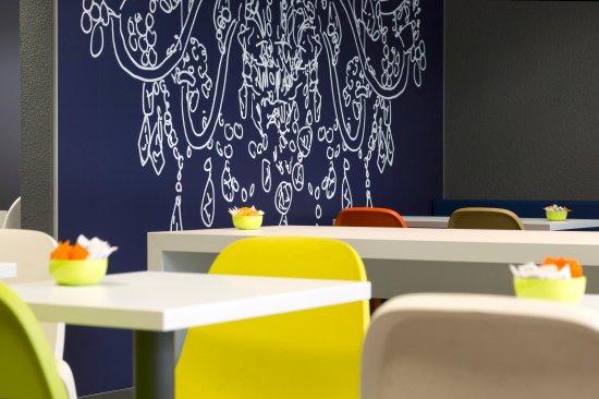 Ibis budget Saint-Malo Centre : Salle Petit Déjeuner