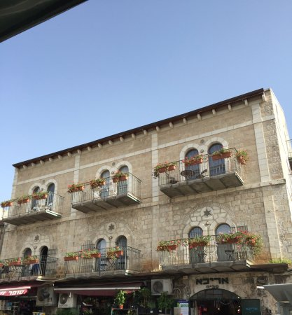 The Market Courtyard - Jerusalem Suites: Our stay here was wonderful. It was clean, well located and convenient to dining and transportat