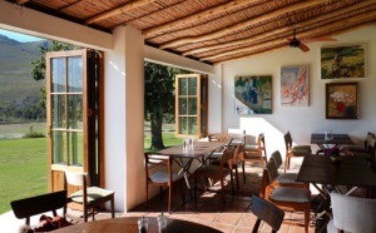 Superb country cuisine, beautiful mountain views, contemporary art ...