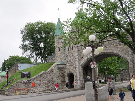 Porte st louis photo de fortifications de qu bec for Porte st louis