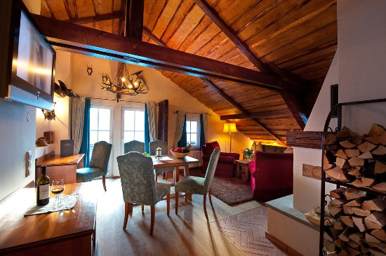 Villa Orania: Wohnraum Mit Kamin