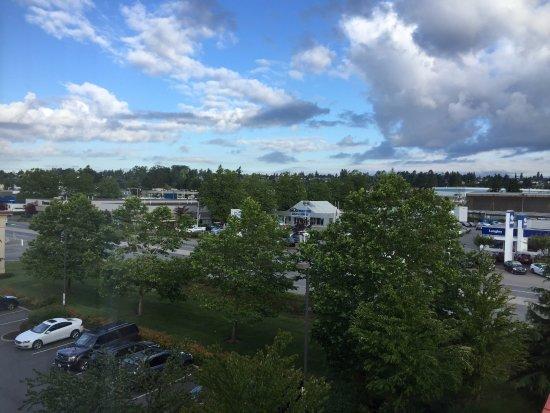 Hampton Inn & Suites Langley Surrey Image