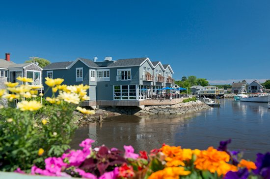 The Boathouse Waterfront Hotel: Boathouse Waterfront Hotel