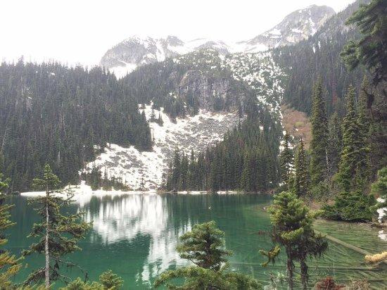 Pemberton, كندا: lake 2