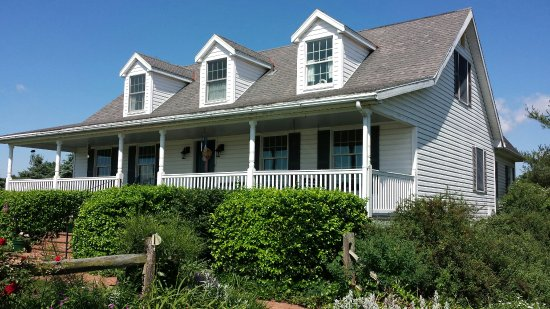 Clear Spring, MD: A Beautiful Country Bed &Breakfast!