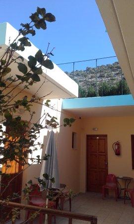 Litsa Efi Studios & Apartments