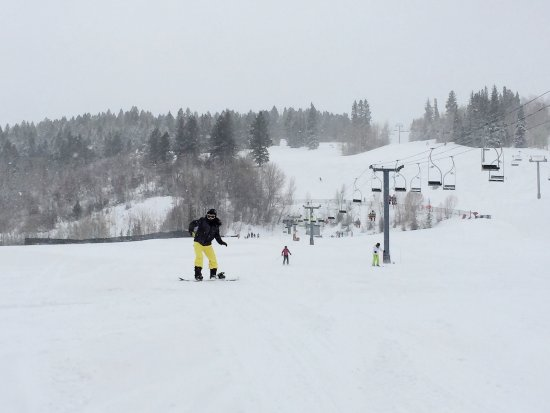 Buttermilk Mountain: Learning how to snowboard