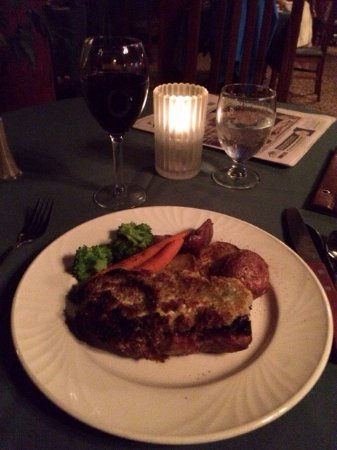 The Riverview Lodge : Roasted red potatoes, broccoli, carrots, and blue cheese crusted ribeye steak