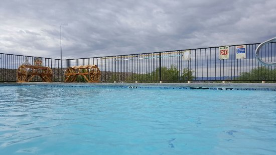Riata Inn Motel : Cool of in our pristinely maintained pool while you enjoy the scenery all around!