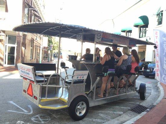 Las Olas Riverfront: bar ambulante