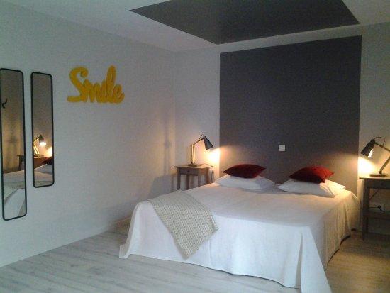 Monclar-de-Quercy, فرنسا: Chambre de la suite Tourterelle