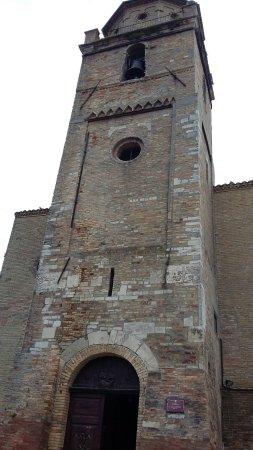 Mutignano, Włochy: facciata