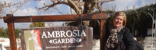 Taverna Ambrosia: eu em frente