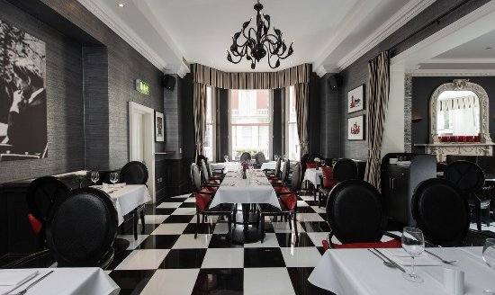 CheckMate Bar, Lounge and Restaurant