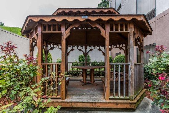 Comfort Inn & Suites Cookeville: Gazebo