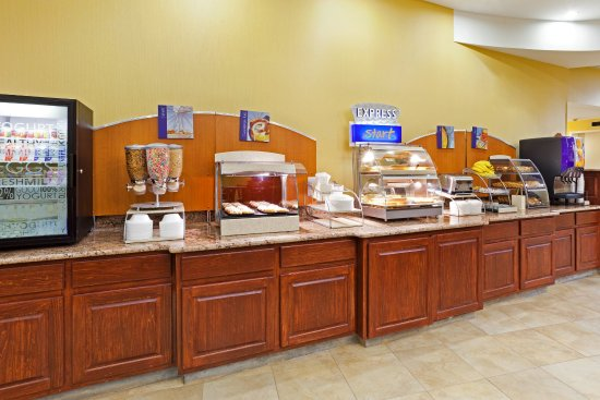 Holiday Inn Express Greensboro-Wendover: Start your day with our delicious complimentary breakfast!