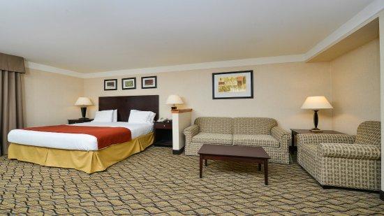 Holiday Inn Express Great Barrington: King Studio Suite