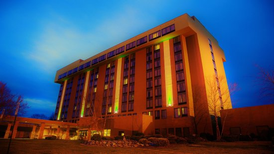 Holiday Inn Bristol Conference Center: Hotel Exterior