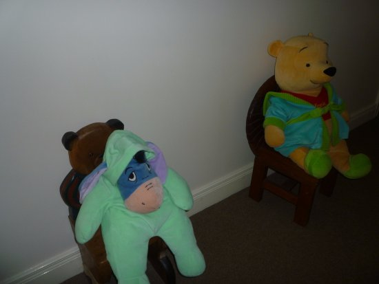 Dunseverick, UK: CUDDLY TOYS IN HALL ( SPOOKY)