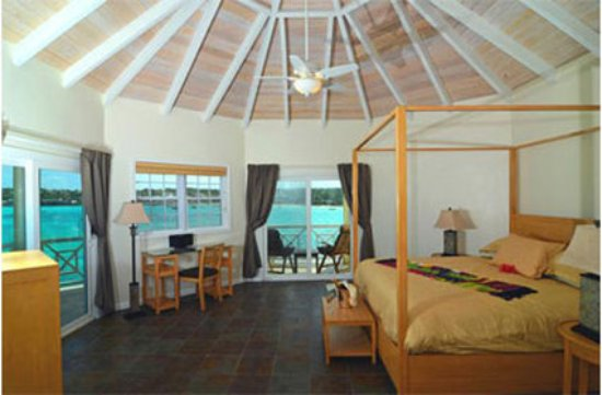 Arawak Beach Inn: Oceanfront Premium King