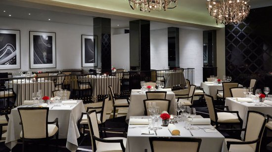 The Peninsula Manila: Old Manila Restaurant