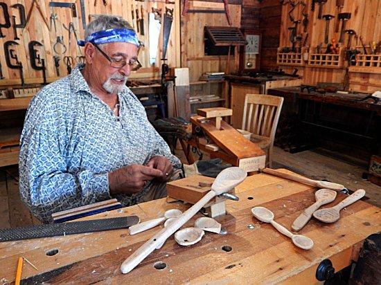 Wellsville, Utah: Woodcarver