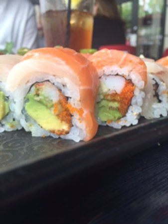 Raku-An Asian Dining & Sushi: Side view of sushi