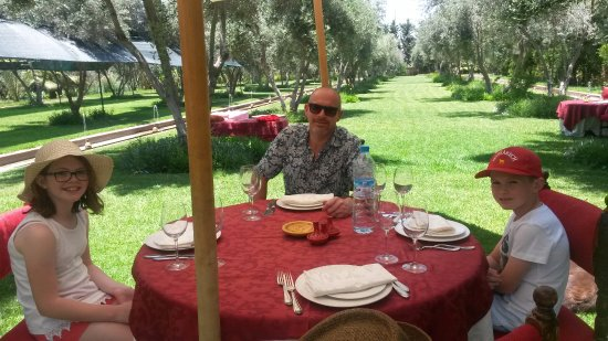 Le Bled: Lunch in the garden.