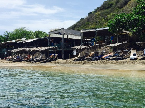 Shipwreck Beach Bar And Grill