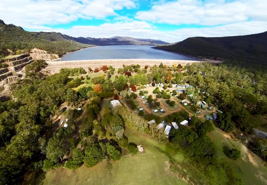Halls Gap Lakeside Tourist Park: Halls Gap Lakeside, Halls Gap accommodation, right next to peaceful Lake Bellfield