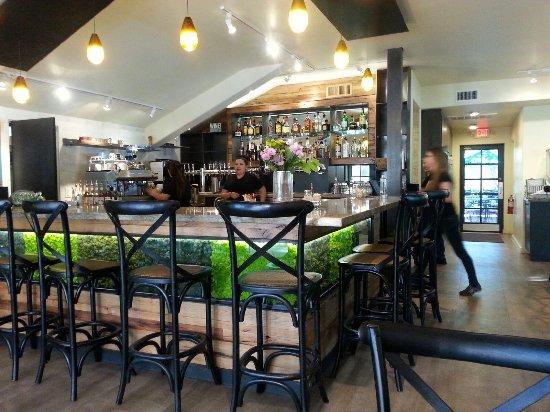 Secret Garden Cafe: New wine & craft beer bar