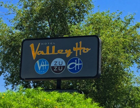 Hotel Valley Ho: The Sign!