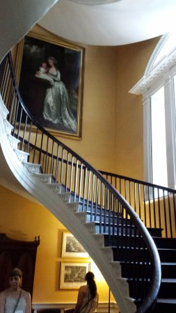 Nathaniel Russell House: Cantilevered Staircase