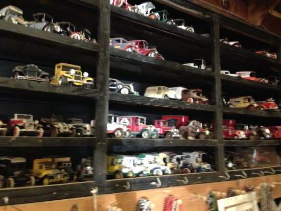 Jandreaus Greenhouse: Gifts for friends and collectibles