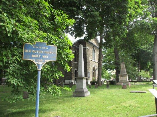 Kingston, Nowy Jork: Part of cemetery