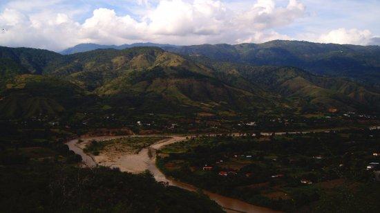 Río Chixoy en Sacapulas. vista desde Chu´Taxtyoox.