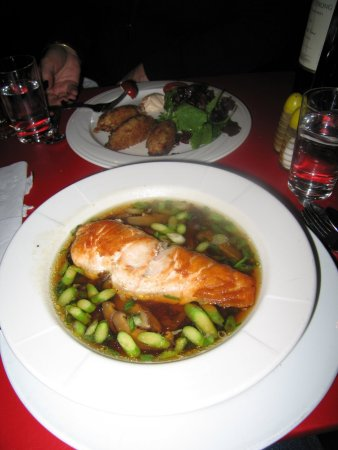 Freehold, Nowy Jork: Salmon is a dashi broth is a fav