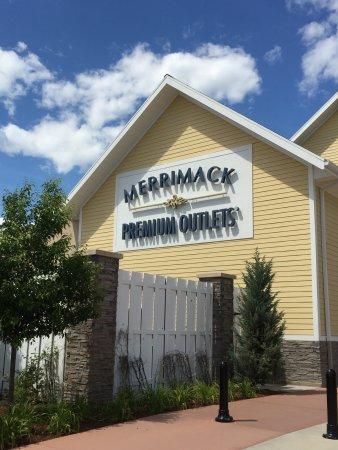 Merrimack Premium Oulets: photo1.jpg
