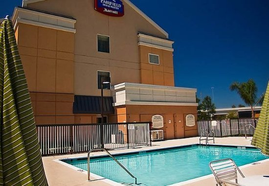 Fairfield Inn & Suites Tampa Fairgrounds/Casino: Outdoor Pool