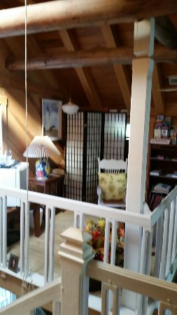 Cousins Bed and Breakfast: 20160610_172755_large.jpg