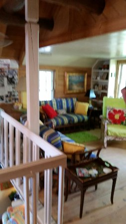 Cousins Bed and Breakfast: 20160610_172749_large.jpg