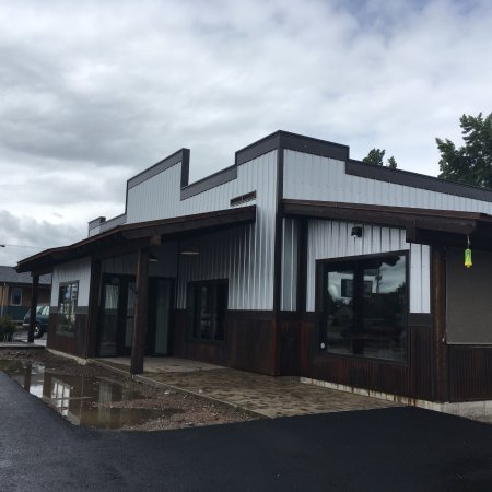 Columbia Falls, MT: Backslope Brewing - Outside view
