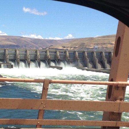 Dalles Dam