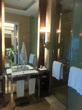 Hotel Indonesia Kempinski: IMG-20160615-WA0012_large.jpg