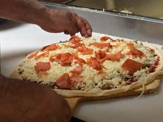 Valentino's Italian Cuisine: Best pizza around!